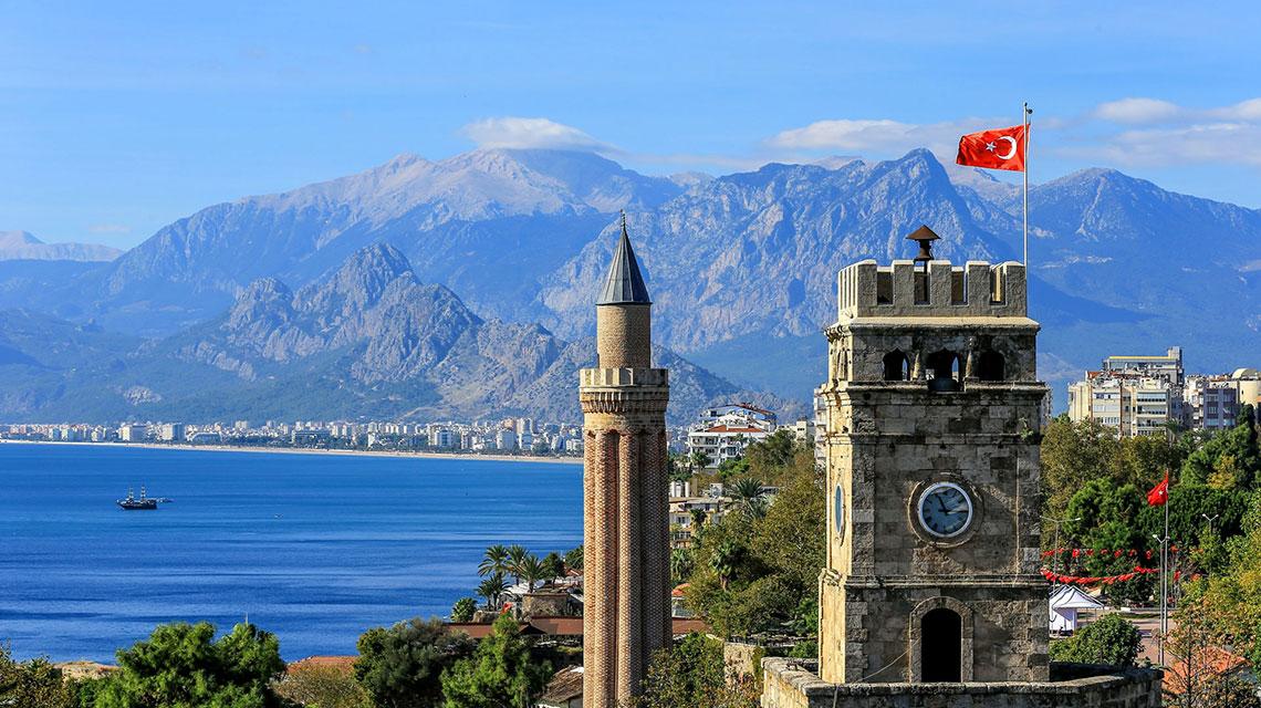 تقرير عن مدينة أنطاليا في تركيا