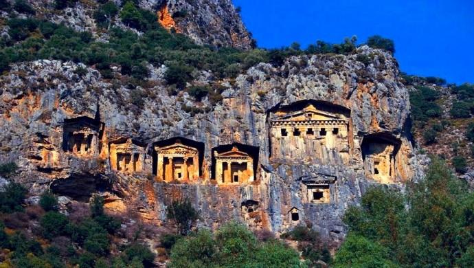 """ارتفاع عدد زوار  منطقة """"ديمرة"""" الأثرية الساحرة جنوب تركيا"""