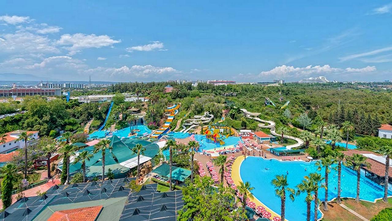 مدينة الألعاب المائية في انطاليا